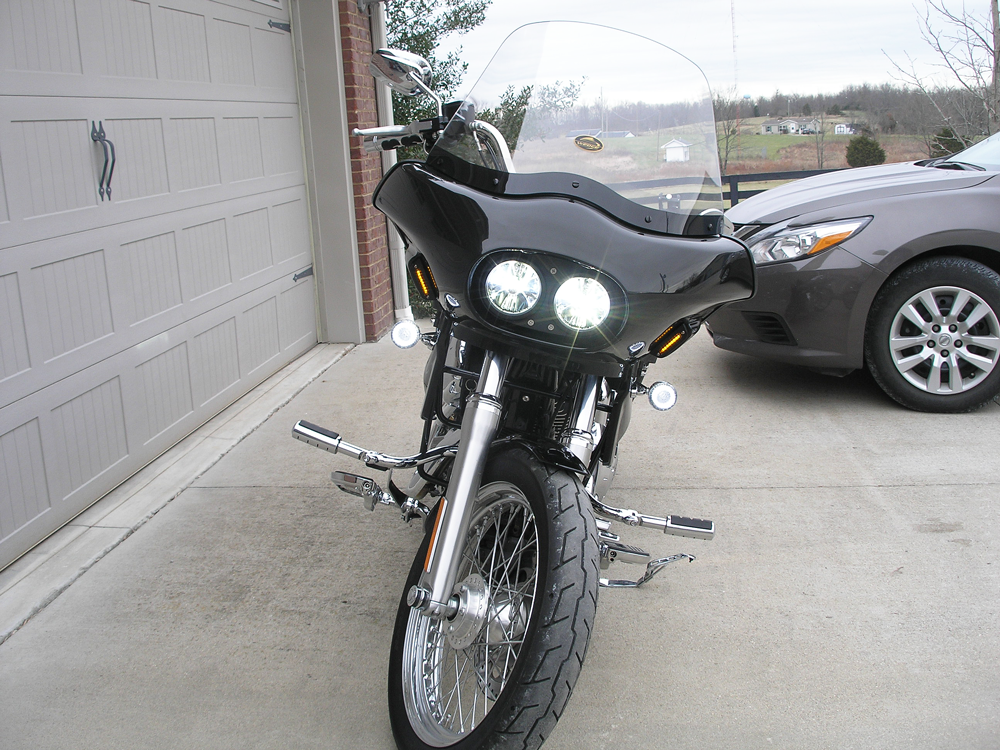 dyna super glide with fairing, dual headlights, viewed from the front