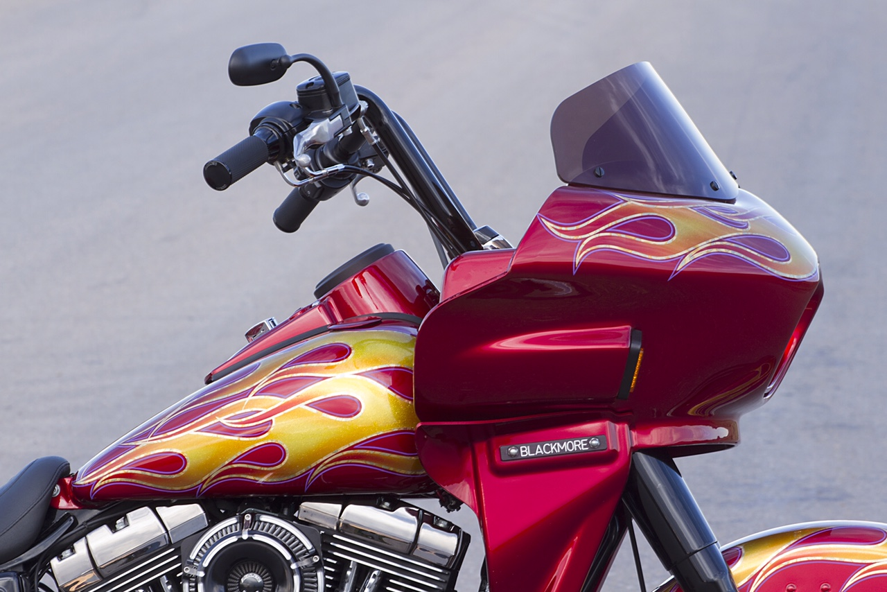 Harley Dyna Switchback with fairing   Wedge Fairing