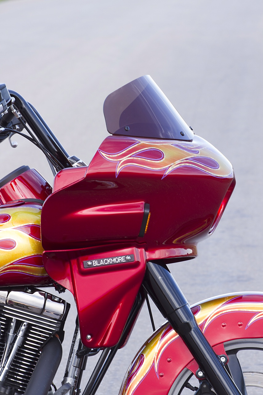 profile view of harley dyna switchback with fairing | Wedge Fairing
